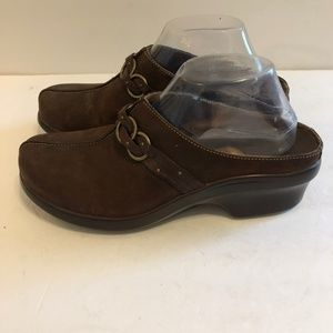 ARIAT Size 9.5B Brown Leather Clogs Mules Shoes.